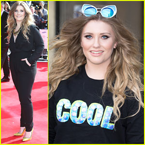 Ella Henderson Covers James Bays' 'Hold Back The River' Before The Prince's Trust Awards