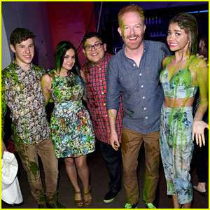 Sarah Hyland & Cast of 'Modern Family' Got Slimed at Kids Choice Awards 2015 - See The Pics!
