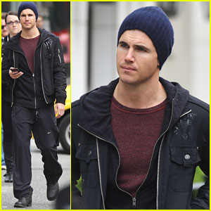 Robbie Amell Opens Up About 'Max' & The Military