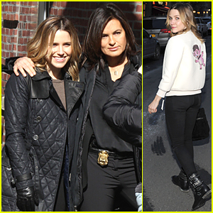 Sophia Bush & Mariska Hargitay Form Cute Duo For Crossover Episode
