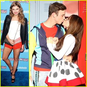 Kelli Berglund & Sterling Beaumon So Win The Cutest Couple Award at Just Jared's Throwback Thursday Party