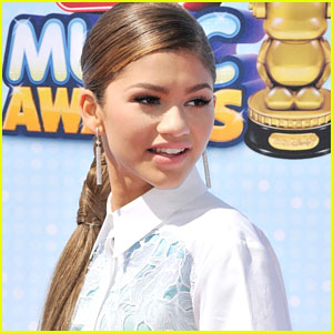 Zendaya To Host Radio Disney Music Awards 2015!