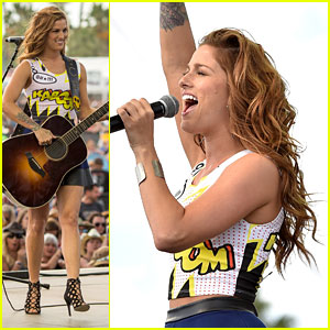 Cassadee Pope Performs At Stagecoach 2015 - See The Pics!