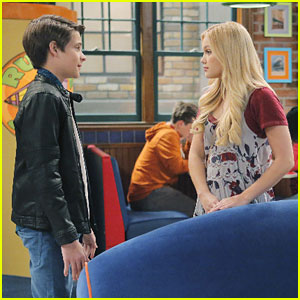 Corey Fogelmanis Tries To Woo Olivia Holt On 'I Didn't Do It' Tonight