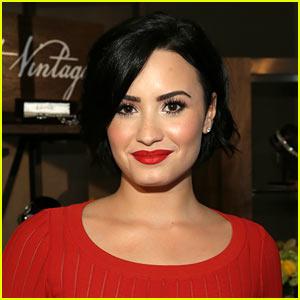 Demi Lovato Writes Response to That Tattoo Artist