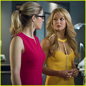 Felicity's Mom is Back on Tonight's 'Arrow'