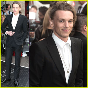 Jamie Campbell Bower Joins 'Bend It Like Beckham' Co-stars For Asian Awards