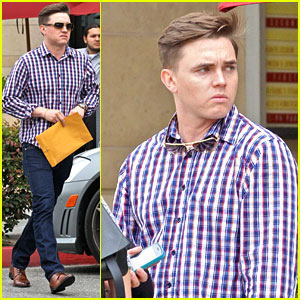 Jesse McCartney Grabs Lunch In Beverly Hills After Celebrating 28th Birthday