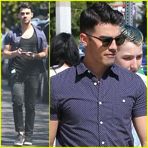 Joe Jonas Clears Up April Fool's Joke With Hailee Steinfeld