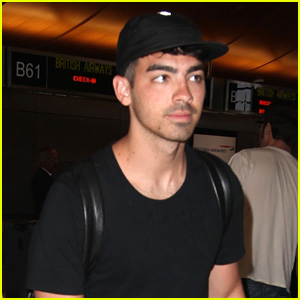 Joe Jonas Flies the Skies Solo Out of L.A.