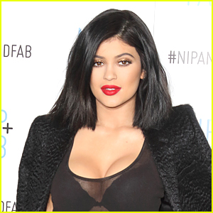 Kylie Jenner Challenge Hits the Web By Storm - See the Lip Pics!