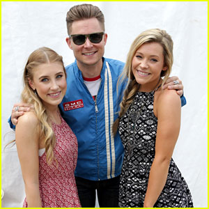 Maddie & Tae Perform At ACM Party For A Cause Festival - See The Pics!