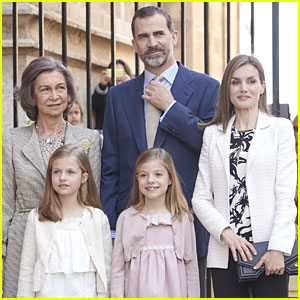Princess Leonor of Spain Attends Easter Mass With Father King Felipe VI