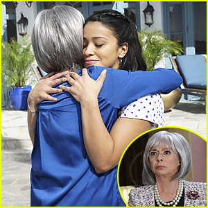 Jane Meets Her Other Grandmother On 'Jane The Virgin' Tonight