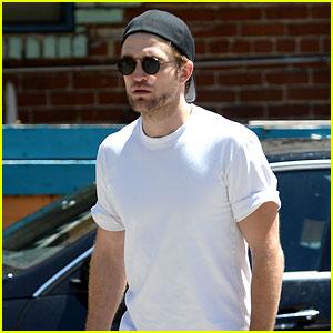 Robert Pattinson Fuels Up at the Laurel Canyon Country Mart
