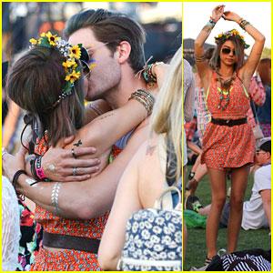 Sarah Hyland & Dominic Sherwood Get Cozy at Coachella 2015