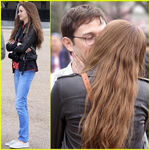 Shailene Woodley & Joseph Gordon-Levitt Share Passionate Kiss on 'Snowden' Set