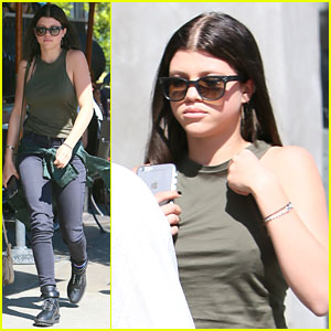 Sofia Richie Lunches At Urth Caffe