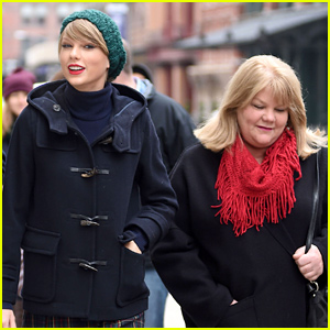 Taylor Swift Reveals Her Mom Andrea Has Cancer