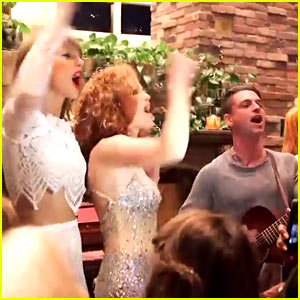 Taylor Swift Surprises Bff Abigail With Dashboard Confessional Performance Abigail Anderson Hayley Williams Taylor Swift Just Jared Jr
