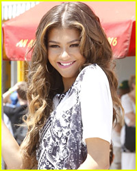 Zendaya Reveals Her Stunning Senior Photo!