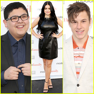 Ariel Winter Steps Out for 'Modern Family' Screening After Official Emancipation