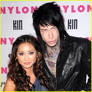 Brenda Song Apologize For Fake Pregnancy Rumors Trace Cyrus Fires