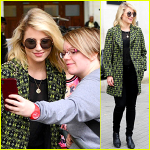 Dianna Agron Has Some Lucky Fans in London!