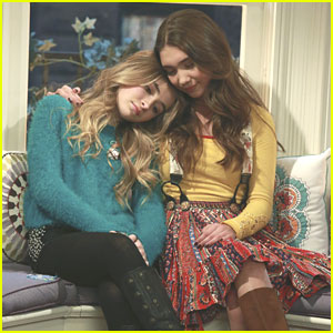 Cory, Topanga & Shawn Dig Up Their Time Capsule On 'Girl Meets World' Tonight