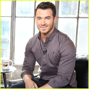 Kevin Jonas Reveals Who's the Better Uncle - Nick or Joe! (Video)
