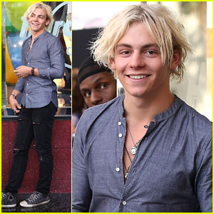 Ross Lynch Think It's Comical How Guys Pick Up Girls
