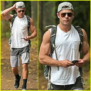 Zac Efron Flaunts Huge Muscles During MDW
