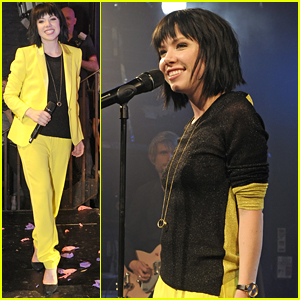 Carly Rae Jepsen Wears 'The Mask' Inspired Yellow Suit for GAY Performance