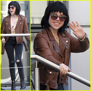 Carly Rae Jepsen Says Tom Hanks' Video Cameo Was a 'Miracle'