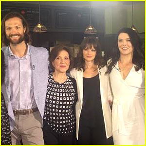 Alexis Bledel & Jared Padalecki Reunite with 'Gilmore Girls' Cast!