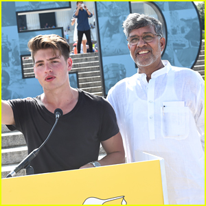Gregg Sulkin Speaks At Satyarthi Children's Foundation Rally In Washington, D.C. - Watch Here!