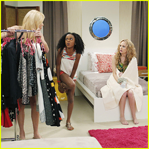Meaghan Jette Martin Guest Stars On Jessie Tonight See The Pics