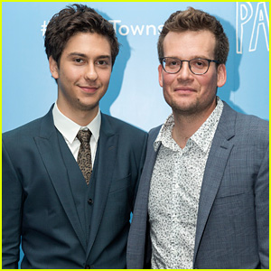 Nat Wolff Teams Up With John Green for 'Paper Towns' Fan Event in London (Exclusive Photos)