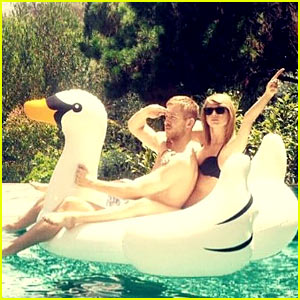 Taylor Swift Rides a Swan with Boyfriend Calvin Harris!