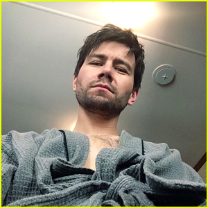 Torrance Coombs Goes Shirtless for First Day on 'Reign' Season Three!
