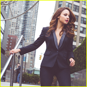 Aimee Carrero Lied During Her 'Young & Hungry' Audition