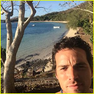 Ian Harding Enjoys Paradise Vacation in Fiji!