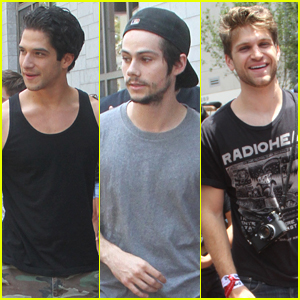 Tyler Posey Meets With Fans Before Fandom Awards At SDCC With Keegan Allen