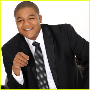 how tall is kyle massey