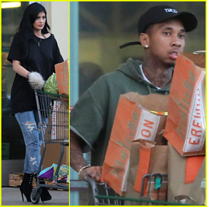 Kylie Jenner Stocks Up on Food With Tyga Ahead of Holiday Weekend