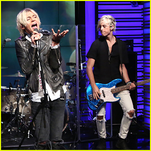 R5 Perform 'All Night' on Live! With Kelly & Michael - Watch Now!