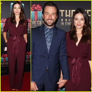 Crystal Reed & Boyfriend Darren McMullen Couple Up in Sydney