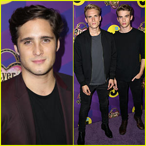 Diego Boneta Makes Us 'Scream' at Just Jared's Wonderland Party!