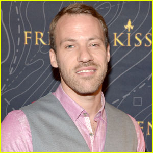 Falk Hentschel Will Play Hawkman in 'Legends of Tomorrow,' 'Arrow' & 'The Flash'