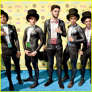 Janoskians Present to One Direction at Teen Choice 2015!